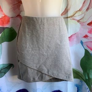 4/$20⭐️Sonoma Cross Front Skirt